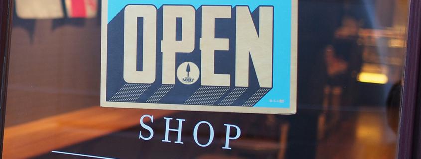 een foto waar open shop op staat